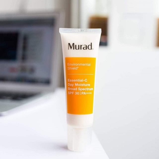 Murad Essential-C Day Moisture Broad Spectrum SPF 30 +++