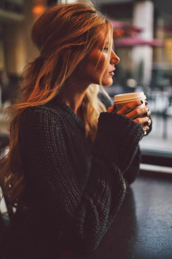 8 kiểu tóc đẹp mơ màng cực hợp để diện cùng áo len đông này