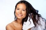 Thói quen ai cũng mắc khiến tóc càng ngày càng xơ và dễ gãy, rụng