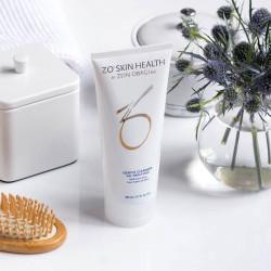 Sữa rửa mặt dùng cho mọi loại da Zo Skin Health Gentle Cleanser 200ml