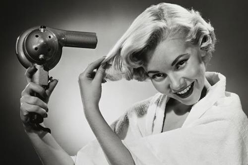4 cách siêu đơn giản giúp bạn phục hồi mái tóc hư tổn