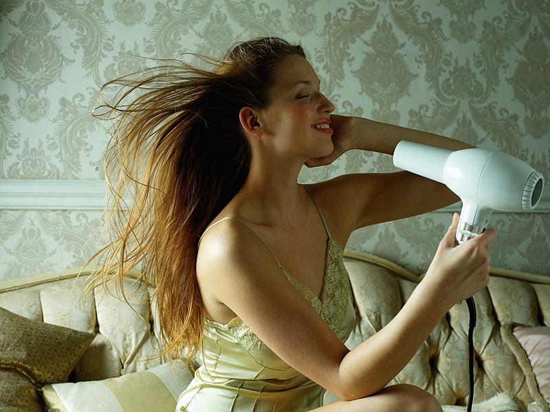 5 thói quen gây tổn hại mái tóc