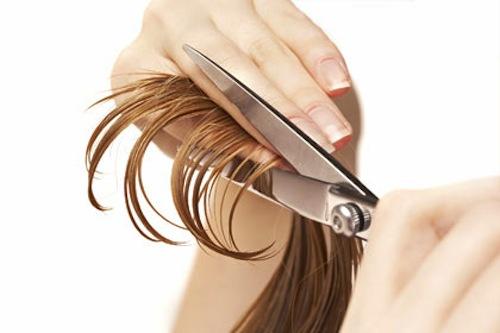Mẹo cắt bỏ những ngọn tóc chẻ