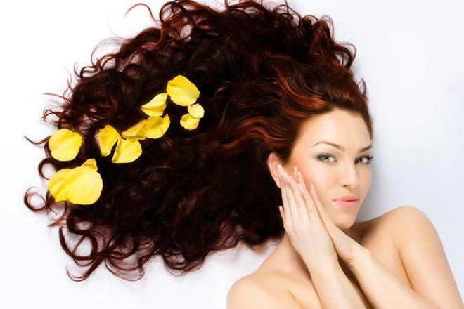Bí quyết chăm sóc tóc dầu cả tuần không bết