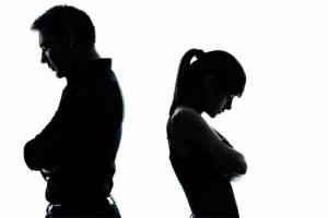 """Từ làm vợ, tôi nghiễm nhiên bị """"truất ngôi' thành kẻ thứ ba"""