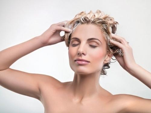 'Cứu cánh' kịp thời cho các cô nàng bị rụng tóc quá nhiều trong mùa đông