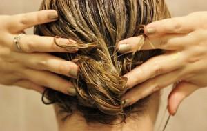 Công thức dưỡng tóc bằng xả cần nắm rõ để tóc giảm gãy rụng