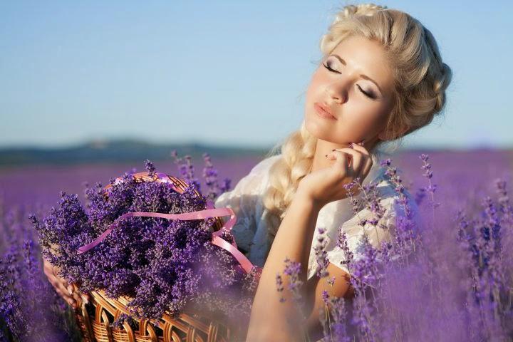 """Khám phá những công dụng """"kỳ diệu"""" của tinh dầu hoa oải hương"""