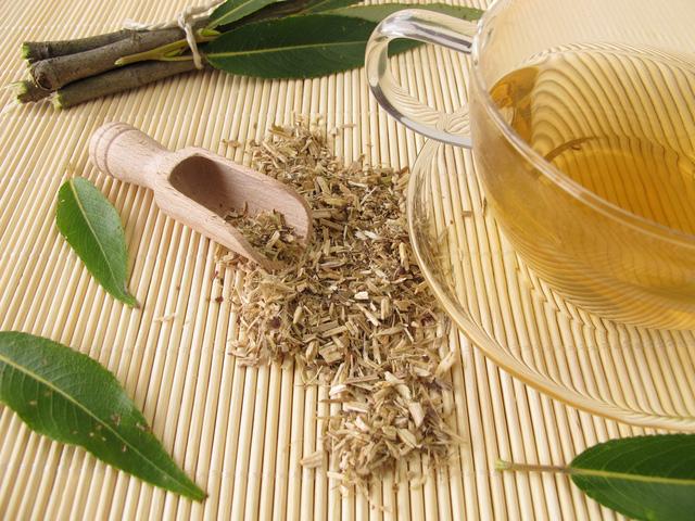 Chiết xuất vỏ cây liễu - Giải pháp thiên nhiên trị mụn sưng viêm hiệu quả