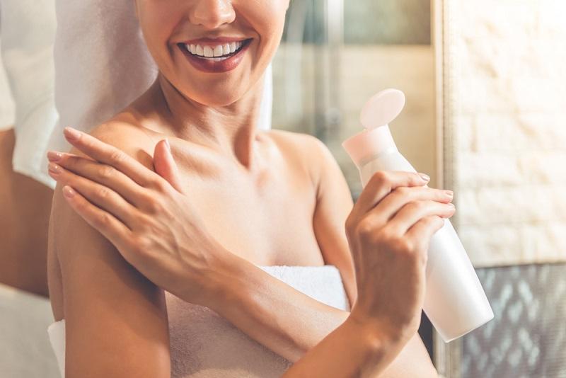5 Bước dưỡng trắng da toàn thân cấp tốc giúp chị em có làn da trắng sáng, mịn màng đón Tết