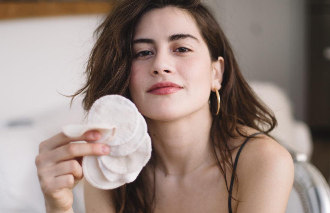 Quy trình chăm sóc để có làn da đẹp bất chấp thời tiết lạnh giá vào ban đêm cho nàng da khô