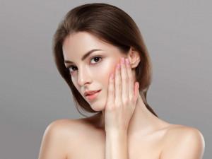 9 Mẹo nhỏ giúp bạn trở nên xinh đẹp mà không cần thoa son đánh phấn lên mặt