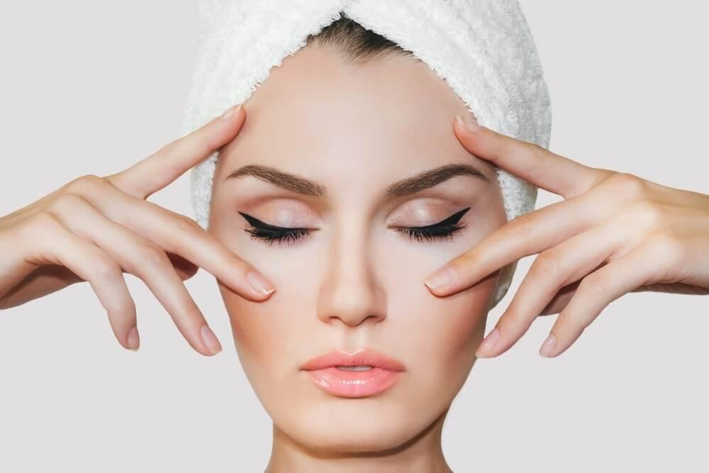 Shiatsu - Phương pháp massage cổ truyền nổi tiếng của người Nhật cho đôi mắt khỏe đẹp