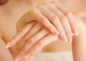 4 cách chăm sóc móng tay nhanh dài và chắc khỏe