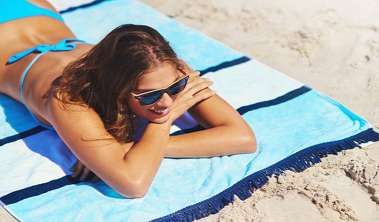 Cách chống nắng cho da mặt ngày thường và khi đi biển chuẩn nhất