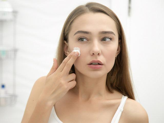 6 Nguyên nhân gây ra mụn ẩn dưới da bạn cần biết