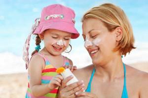 Gọi tên top 4 kem chống nắng an toàn cho phụ nữ sau sinh