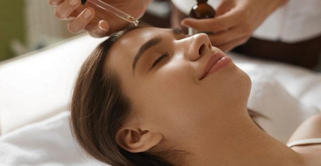 5 serum trị mụn hiệu quả cho da dầu chị em không nên bỏ lỡ