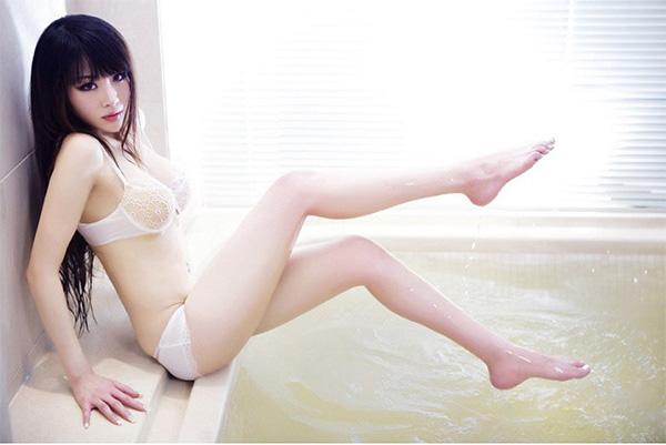 da trắng sáng mịn màng nhờ kem tắm trắng sakura