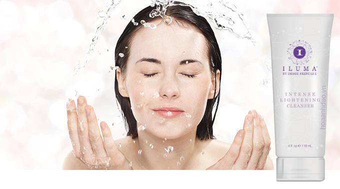 sua-rua-mat-lam-sang-da-Image-Skincare-Iluma-Intensive-Lightening-Cleanser
