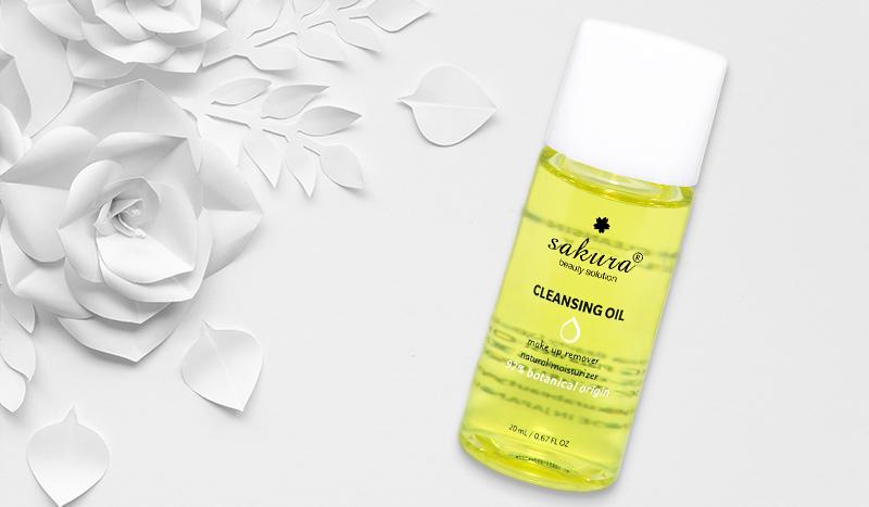 thành phần của dầu tẩy trang sakura