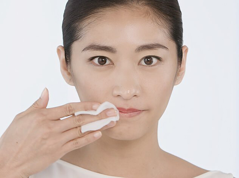 Huong-dan-su-dung-lotion-avene-extremely-gentle-cleanser